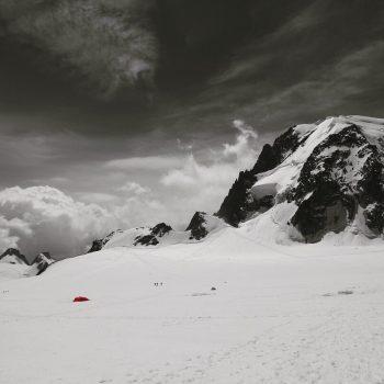 Bivouac au pied du Mont Blanc du Tacul