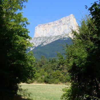 Le Mont-Aiguille au détour d'un chemin...