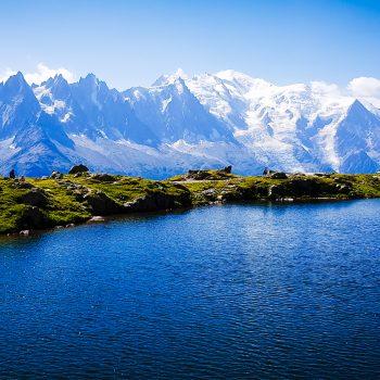 Lac de Chesery face au Mont Blanc