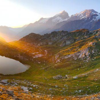 Levé de soleil sur le lac Lérié