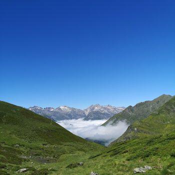 Entre montagnes et nuages